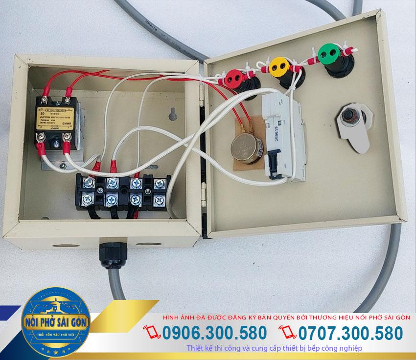 Nồi nấu hủ tiếu hộp điện rời an toàn khi sử dụng